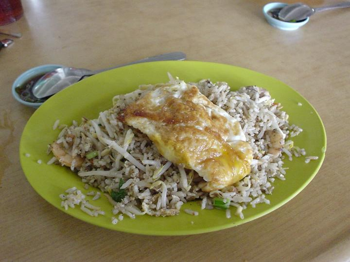 Fried rice in char kuey teow style