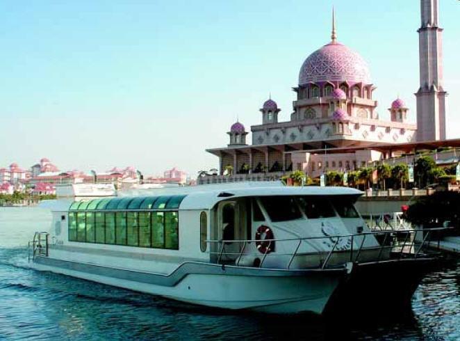 Cruising In Putrajaya Thingsasian