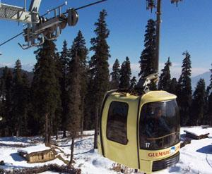 A gondola making its way from the Gulmarg resort to Kongdoori on the only existing cable-cars in Kashmir.