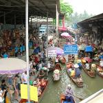 Damnoen Saduak, Thailand's famous floating market.