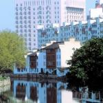 Wuxi, Jiangsu, China: The Grand Canal flows through the centre of Wuxi city.