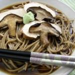 Soba Noodles with Chicken and Shiitake Mushrooms