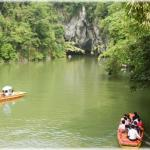 By boat to the dragon cave (Guizhou province)