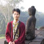 Me at Borobudur early in the morning, my sweater keep me warm from the chill!