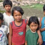 Children on the shore of Lake Tonle Sap