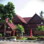 Khum Kaew Palace now is part of Vista hotel