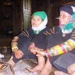 Les jeunes femmes LOLO noirs a Baolac - Vietnam