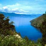 Aproaching Lake Toba on the switchback road south from Medan.