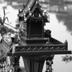 These miniature houses are constructed as new residences for the displaced spirit belonging to a piece of land. Of Indian origin, the spirit houses in Thailand serve also as places of daily worship, during which they are garnished with Buddhist offerings of flowers, incense, dolls, elephant statues and food items.